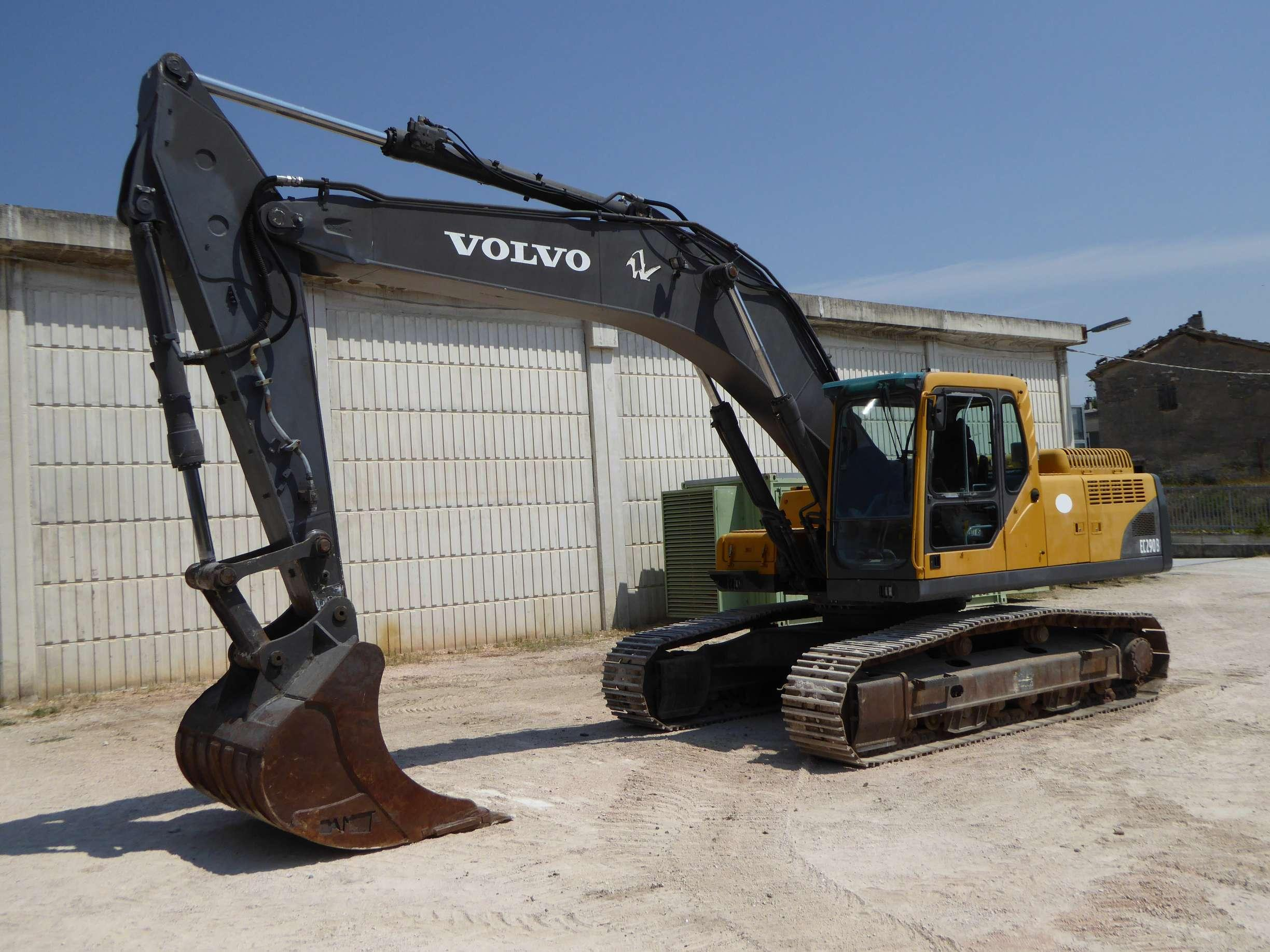 caterpillar what the volvo to halllot backhoe equipment at see g terramac w in gold and booth conexpo construction cex lf