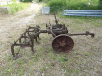 Agricultural Machine - Pulled plow x 9