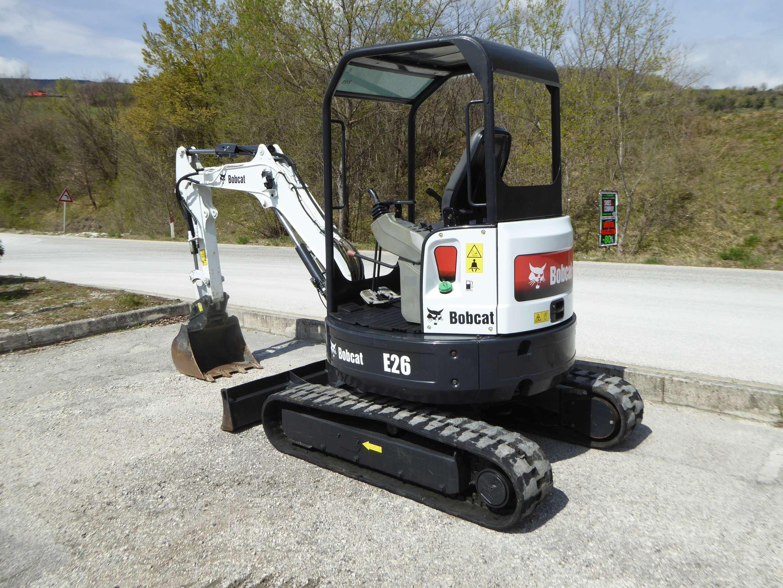 Bobcat E26 EM | Mini excavator | Piccinini Macchine